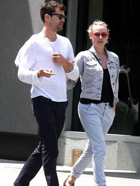 "<p><a href=""http://www.elleuk.com/starstyle/style-files/(section)/diane-kruger"">Diane Kruger</a> and boyfriend Joshua Jackson stroll through New York prior to the <a href=""http://www.elleuk.com/starstyle/red-carpet/(section)/the-met-ball-2011"">MET Ball</a"