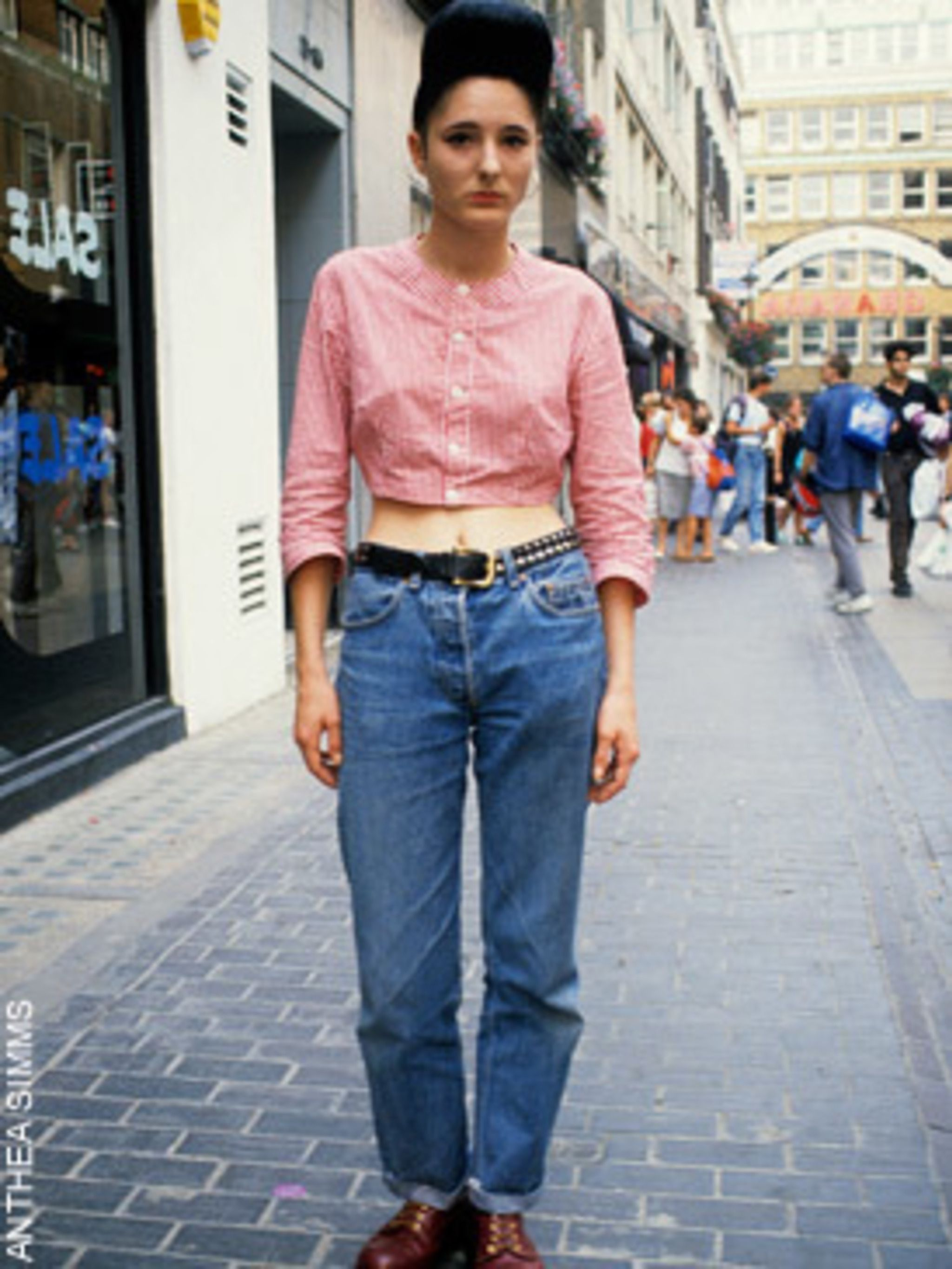 "<p>Rolled hem, high waisted<a href=""http://www.elleuk.com/starstyle/celebrity-trends/%28section%29/Everyone-s-Wearing-Rolled-up-jeans""> jeans </a>with <a href=""http://www.elleuk.com/starstyle/celebrity-trends/%28section%29/Everyone-s-Wearing-DM-Boots"">DMs"
