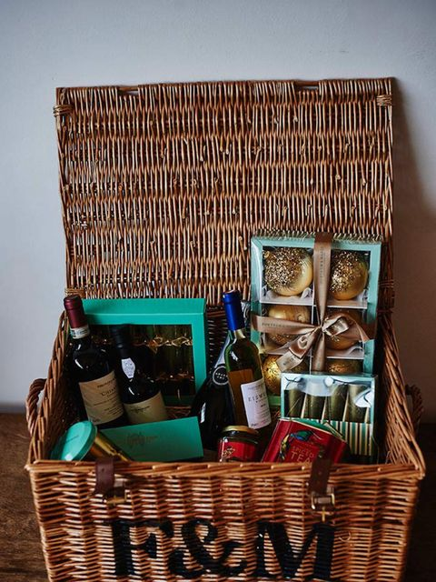 <p><strong>MUST-HAVE HAMPERS</strong></p>