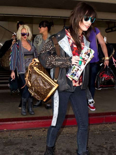<p>Daisy Lowe carrying a Bosphore backpack </p>