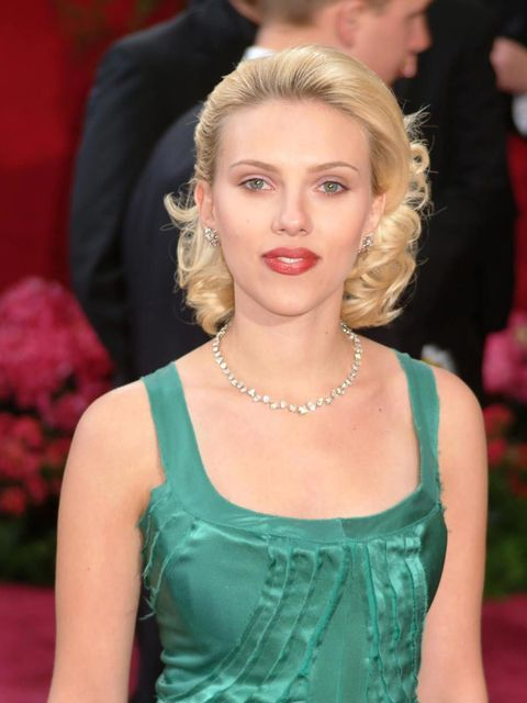 <p>76th Academy Awards red carpet in Hollywood, February 2004.</p>