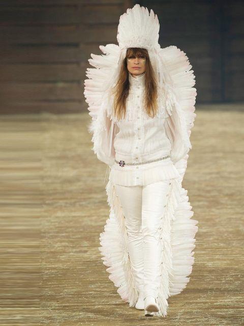 <p>Model on the catwalk for the Chanel <em>Metiers d'Art</em> show, December 2013.</p>