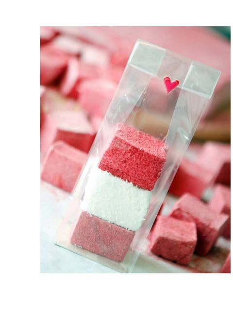 """<p><a href=""""http://www.londonmarshmallows.co.uk/"""">Gourmet Marshmallows</a></p><p>Posh marshmallows are the new cupcakes dontcha know. We got an inkling when we were sent a selection of fancy treats from gin to balckcurrent to chilli and mint flavour. All"""