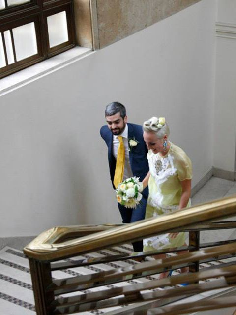 <p>As a 'walk in' wedding at the town hall, Allan and I both did a lap of honour of the ceremony room – which was so much fun.</p>