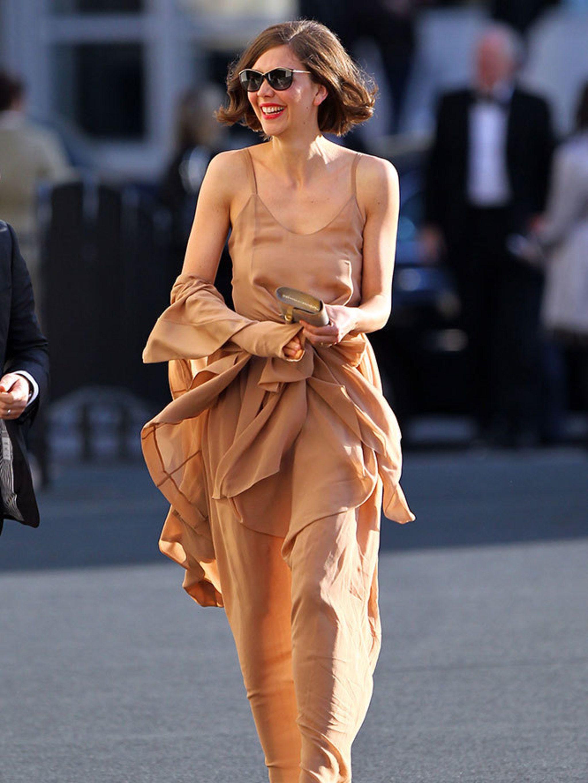 Maggie Gyllenhaal Nude Photos 45