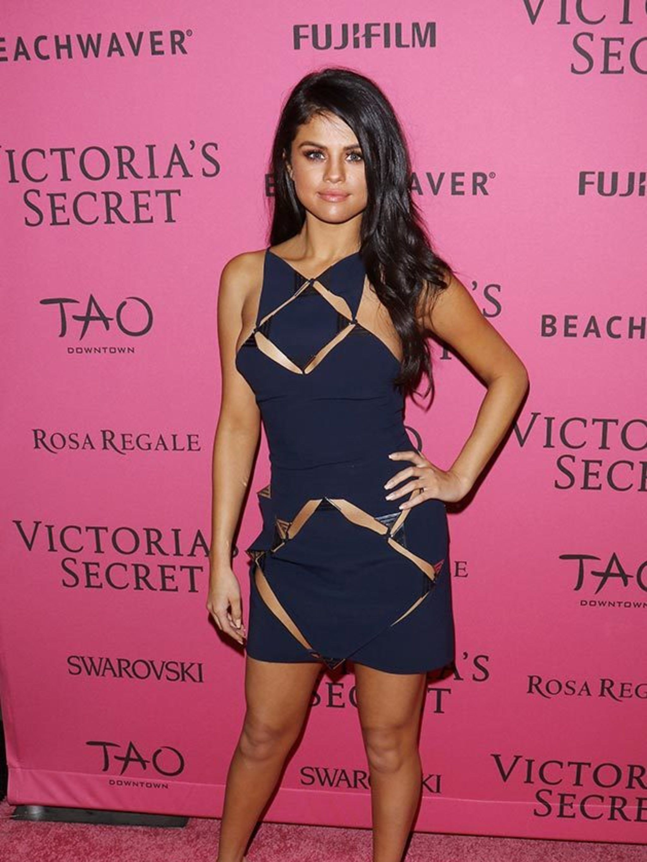 Selena Gomez\'s Style File