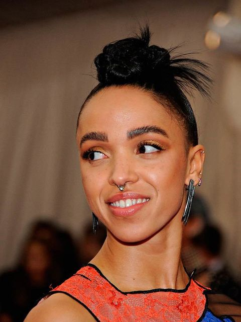 <p>FKA Twigs opts not to tone it down on the red carpet at the 2015 Met Ball - and we love her for it.</p>