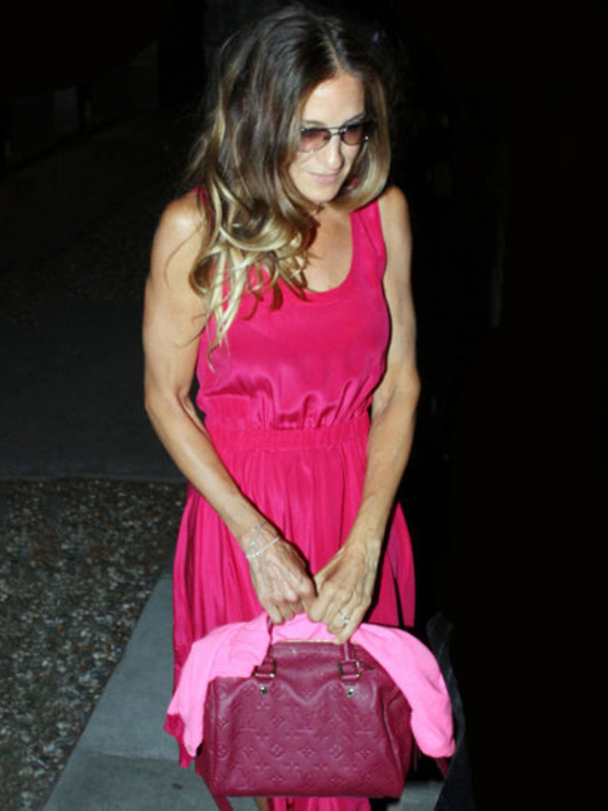 <p>Sarah Jessica Parker with her Speedy bag</p>