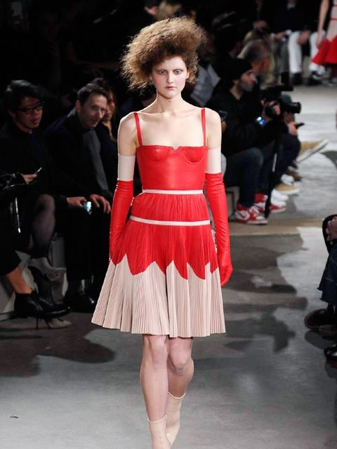 alexander-mcqueen-autumn-winter-2015-look-3
