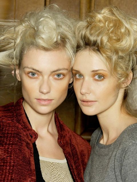 &lt&#x3B;p&gt&#x3B;&lt&#x3B;strong&gt&#x3B;ELLE&#039&#x3B;s Verdict:&lt&#x3B;/strong&gt&#x3B; Yes, you can wear this!&lt&#x3B;/p&gt&#x3B;&lt&#x3B;p&gt&#x3B;&lt&#x3B;strong&gt&#x3B;How: &lt&#x3B;/strong&gt&#x3B;Whether your hair is &lt&#x3B;a href=&quot&#x3B;http://www.elleuk.com/beauty/hair/hair-features/the-expert-guide-to-curly-hair&quo