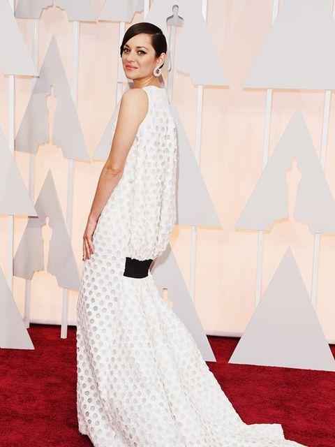 Marion Cotillard wears Christian Dior at the 2015 Oscars.