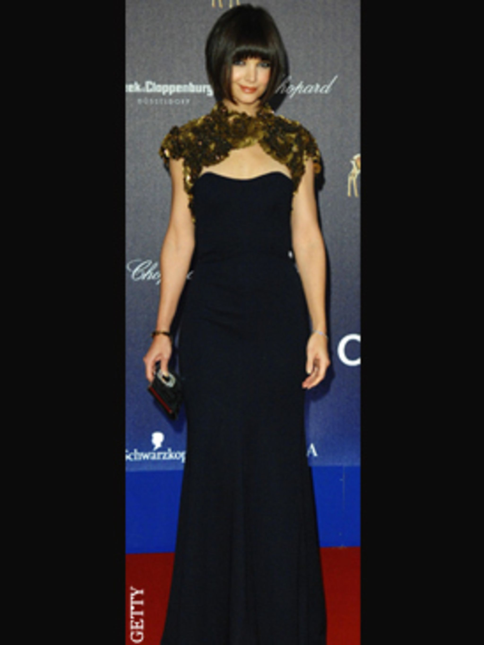 Katie Holmes Mixes Athletic and Evening Wear Katie Holmes Mixes Athletic and Evening Wear new images