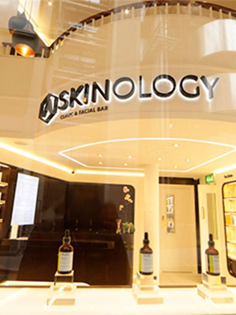 <p>BEAUTY: Askinology</p>  <p>Blow dry bars and 30-minute manis have made savvy time savers to our beauty regime, (weekends are for more than just preening after all), but now you can add super-quick facials to the list. Just-opened at Leadenhall market,