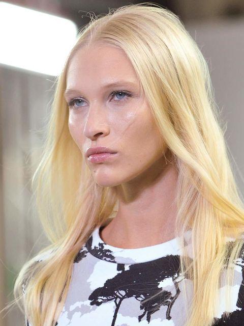 "<p><strong><a href=""http://www.elleuk.com/catwalk"">Osman</a></strong></p><p><em>Hair Stylist:</em> Nick Irwin for TIGI</p><p><em>Look:</em> Freshly Washed (it's"