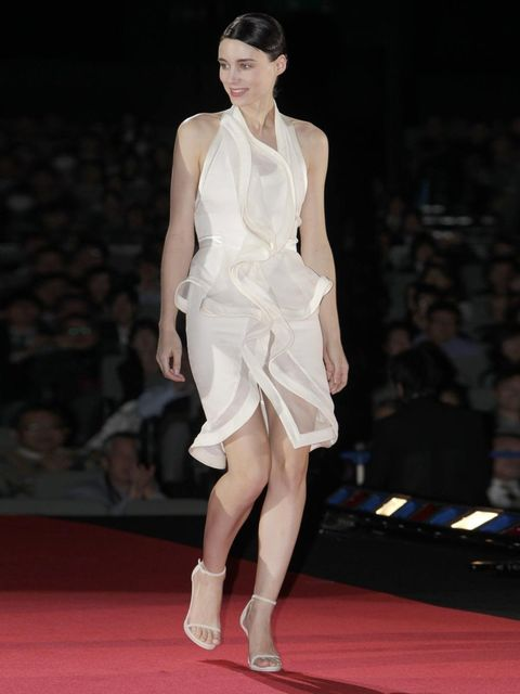 <p>Rooney Mara hits the red carpet in Givenchy for the Japanese premiere of her new movie, The Girl with the Dragon Tattoo, 31 January 2012</p>