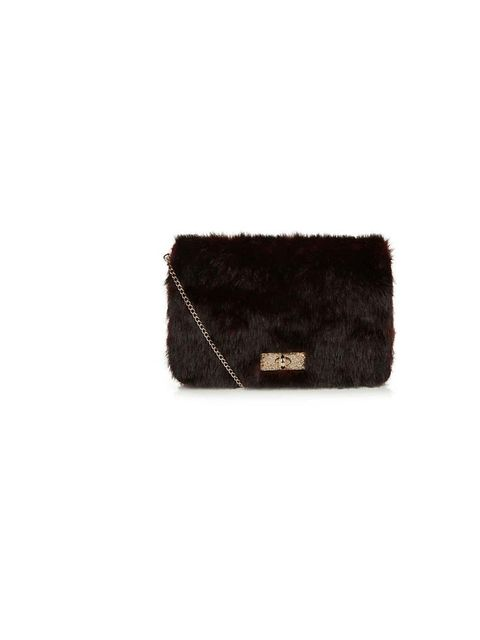 "<p>Fashion Assistant Molly Haylor is tapping into this season's faux fur trend with this burgundy clutch.</p><p><a href=""http://www.newlook.com/shop/womens/bags-and-purses/burgundy-faux-fur-clutch-_290122567"">New Look</a> bag, £24.99</p>"