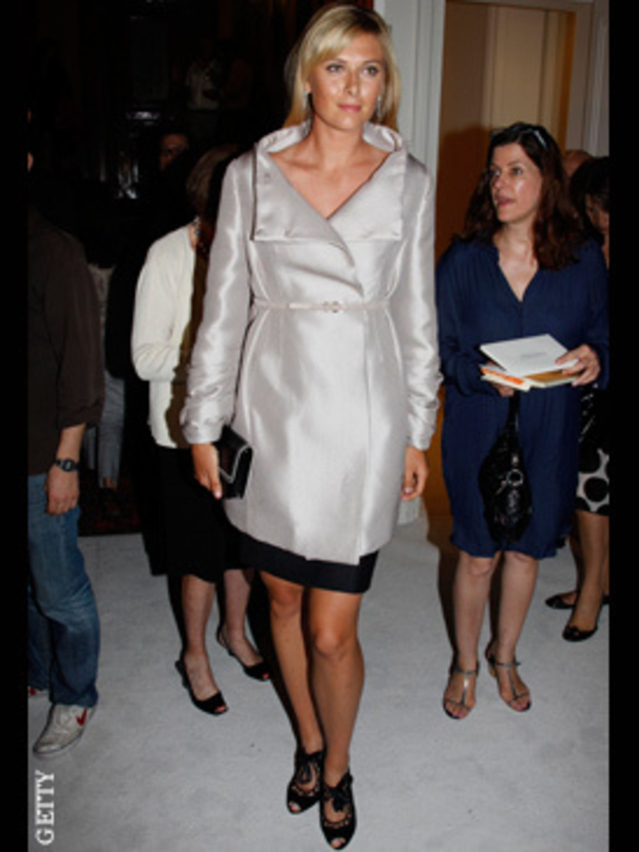 <p>Maria's Sharapova's Wimbeldon may be over, but that hasn't ruined her entire week. She's at couture in Paris, in Valentino.</p>