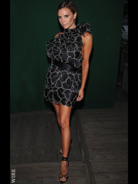 <p>Victoria Beckham in Marc Jacobs</p>