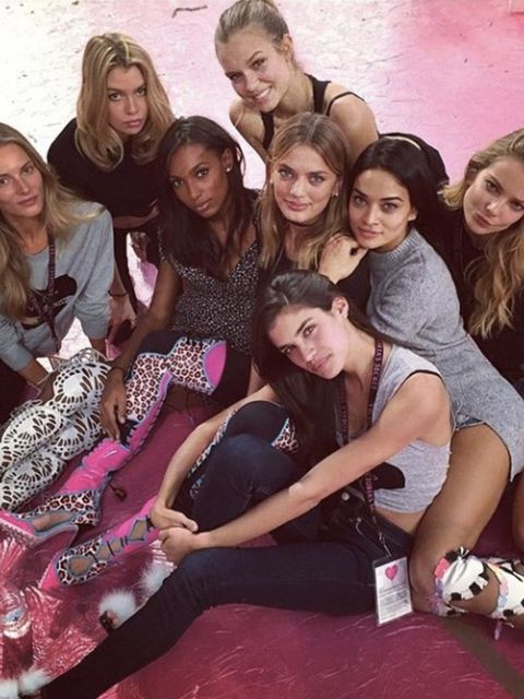 Victoria's Secret Show @ victoriassecret Practice makes perfect! The girls take a break after a long day at rehearsals. #VSFashionShow #regram @sarasampaio #ButCanWeBorrowThoseShoes