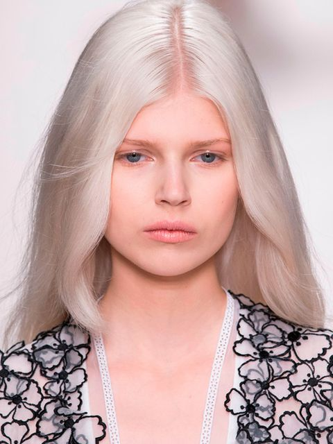 "<p>Polish model, <a href=""http://louisvuittonshop.info/beauty/hair-colour-trend-ice-white-platinum-blonde-models-catwalk-autumn-winter-2014#image=1"">Ola Rudnicka</a> can thank her roots for her naturally platinum hair colour.</p>"