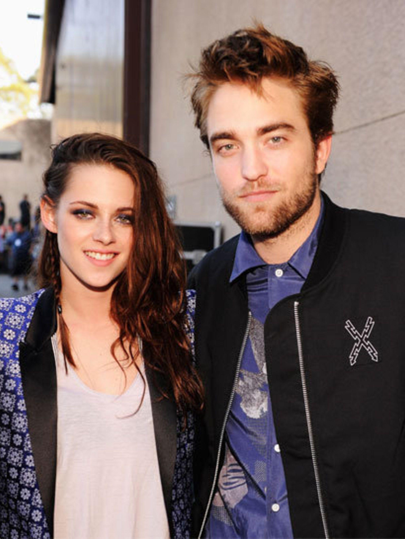 <p>Kristen Stewart and Robert Pattinson at the Teen Choice Awards on 22 July</p>
