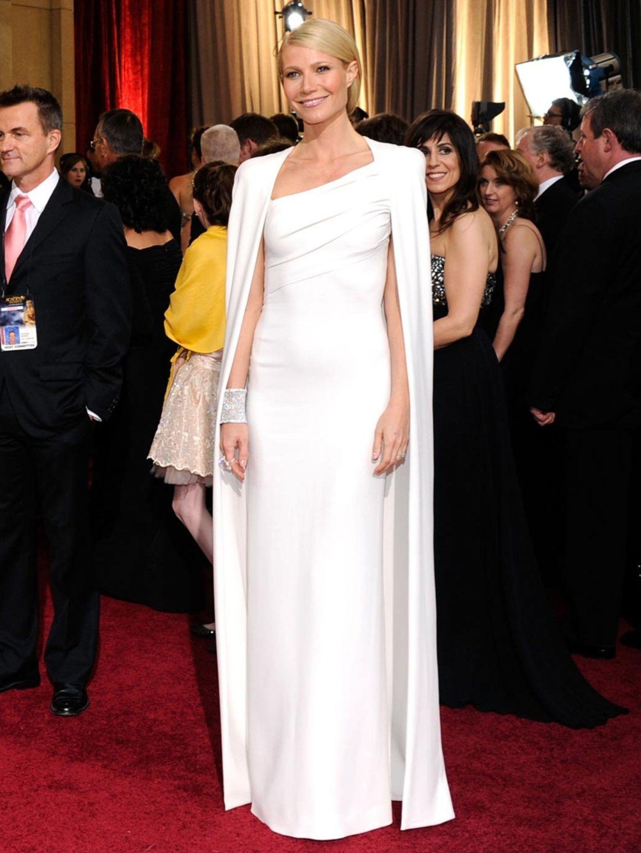 Behind Gwyneth\'s Oscar gown
