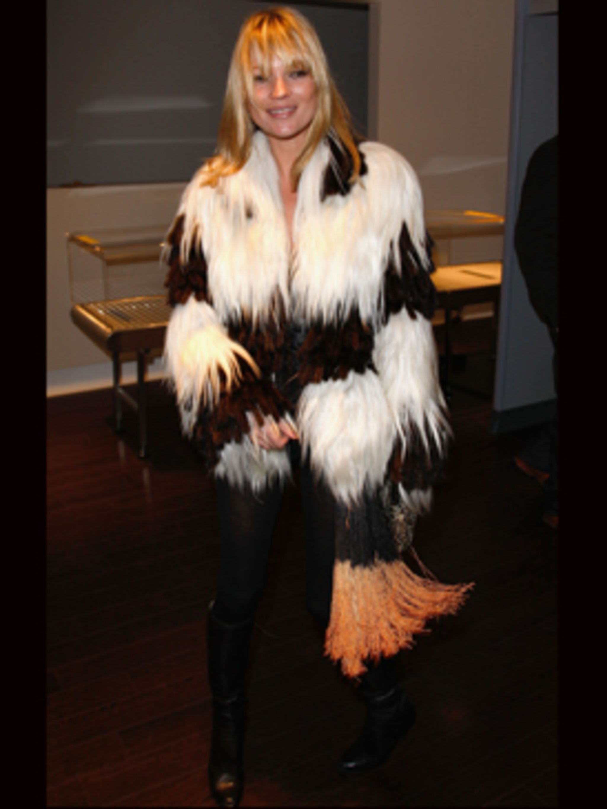 <p>Kate Moss - in a new goat hair coat. Sexy and cosy!</p>
