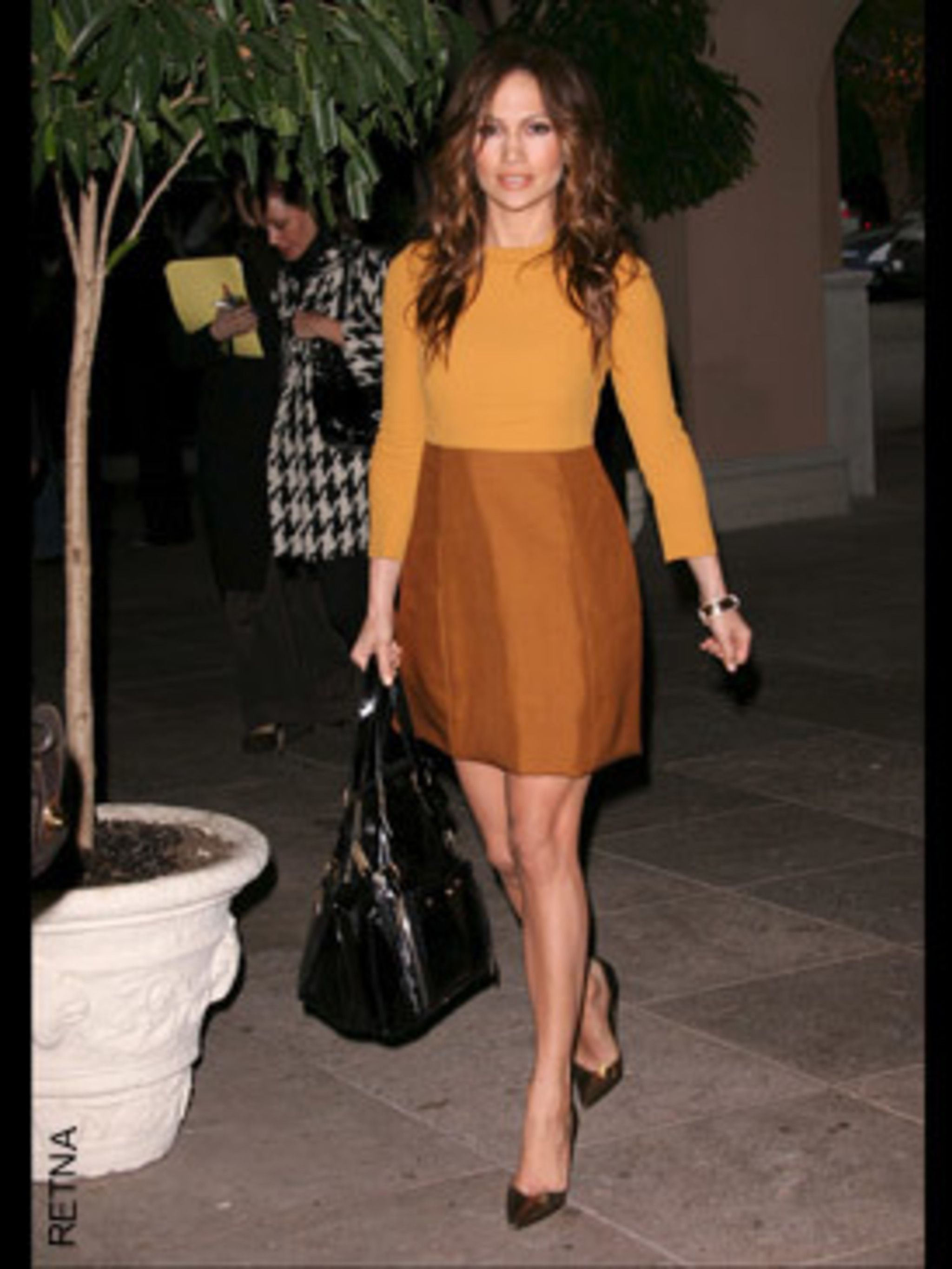 <p>J-Lo was one of the first to rock this Chloe dress and summer's block colour trend. It makes her look absolutley gorgeous too.</p>