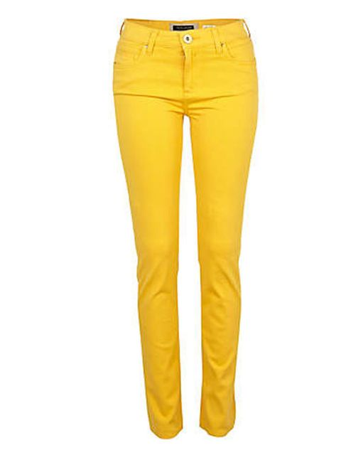 "<p><a href=""http://www.riverisland.com/Online/women/jeans/skinny-jeans/bright-yellow-skinny-jeans-614151"">River Island</a> bright yellow jeans, £40</p>"