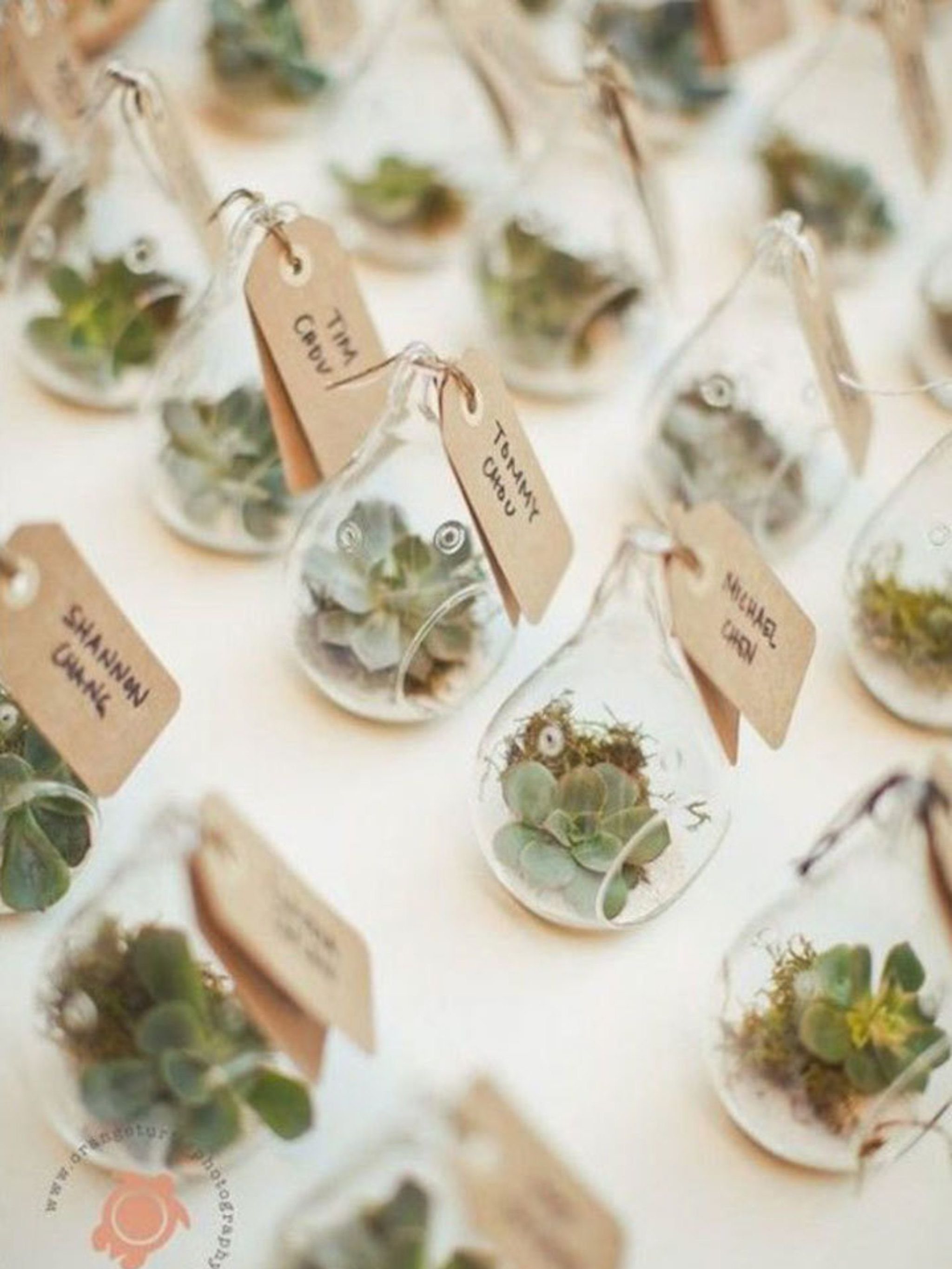 12 Original Wedding Favours To Delight Your Guests With