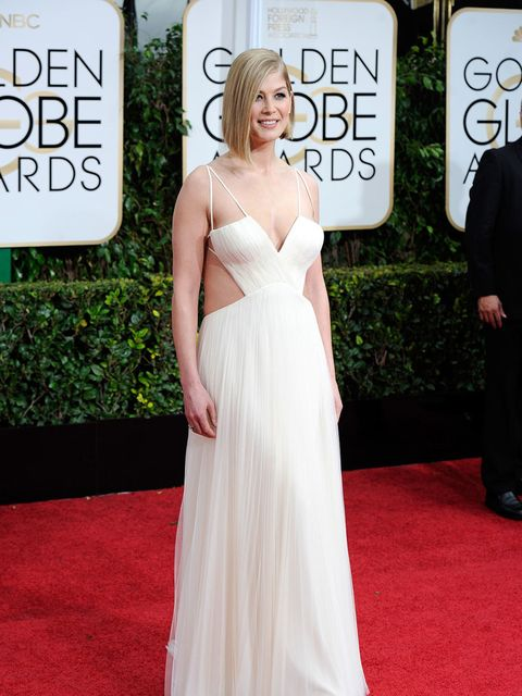 "<p><a href=""http://www.elleuk.com/tags/rosamund-pike"">Rosamund Pike</a> in <a href=""http://www.elleuk.com/tags/vera-wang"">Vera Wang</a> at the Golden Globe Awards, 2015.</p>"