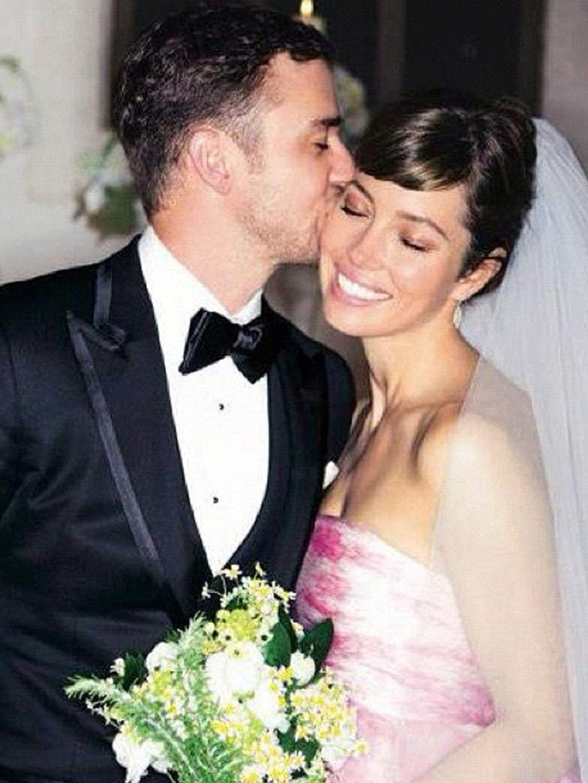 How Jessica Biel Chose Her Pink Wedding Dress By Giambattista Valli Haute Couture Elle Uk