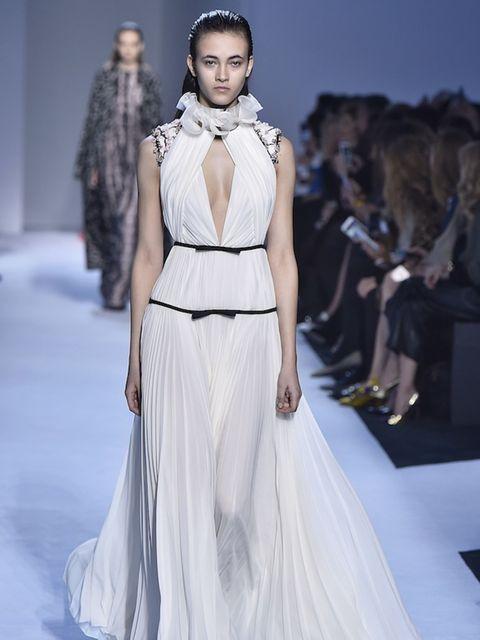 <p>Giambattista Valli AW16 at Paris Fashion Week</p>