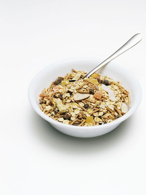 <p><em>Apple Juice Soaked Oat Muesli with fresh fruit</em></p><p><strong>Method:</strong>On Sunday mix the 25g whole rolled oats and 20g sunflower seeds. Pour 50ml apple juice on top until just covering the oats. Cover with cling film and leave in the fri