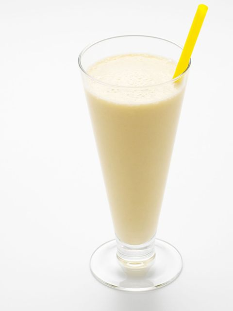 <p><em>Breakfast Smoothie</em></p><p><strong>Method:</strong>Pour 125ml soya, oat or almond milk into a blender with 1/2 peeled banana, 1 tablespoon almonds, 1 tablespoon oats and blend until smooth. Add another 125ml milk and 1/2 teaspoon of runny honey