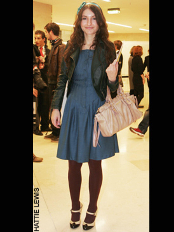 1223475415-two_tone_paris_fashion_week