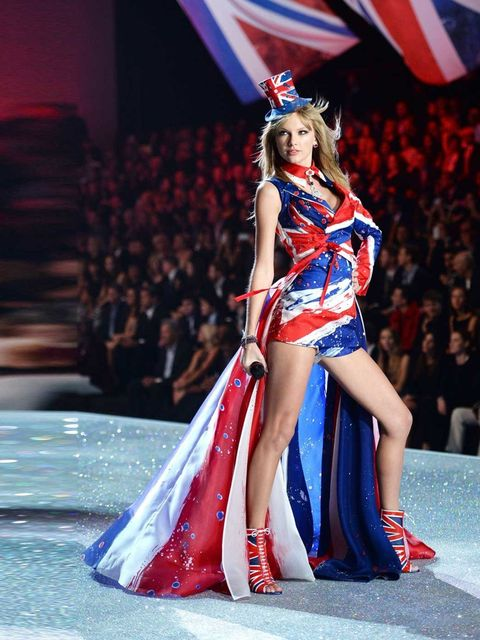 """<p><a href=""""http://www.elleuk.com/star-style/celebrity-style-files/with-golden-locks-of-hair-tumbling-around-her-shoulders-and-from-elie-saab-to-valentino-and-everything-in-between-see-all-of-taylor-swift-s-greatest-style-moments"""">Taylor Swift</a> perform"""