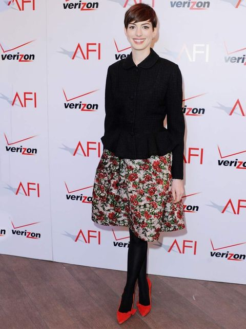 "<p>Ever the lady, <a href=""http://www.elleuk.com/star-style/celebrity-style-files/anne-hathaway-s-best-looks"">Anne Hathaway</a> makes her pretty floral <a href=""http://www.elleuk.com/catwalk/designer-a-z/oscar-de-la-renta/spring-summer-2013/collection"">Os"