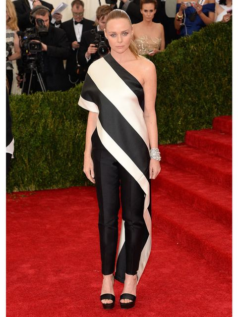 <p>Stella McCartney</p><p>It's nice to see a pair of trousers among all the big ball gowns. Stella doesn't deviate from her own style. The top has a very traditional couture feel and she looks very good and striking in it.</p>
