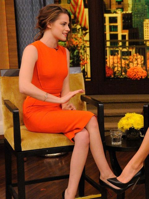 <p>Kristen Stewart wears Victoria Beckham on the Kelly and Micheal Show</p>