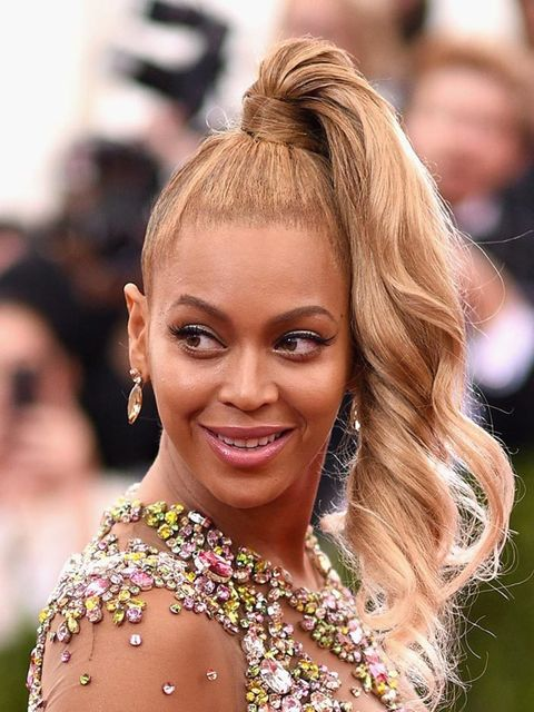 """<p>Glowing skin, wing eyeliner, perfectly groomed brows and <em>that </em>hair… <a href=""""http://www.elleuk.com/fashion/celebrity-style/beyonce-s-style-file"""">Beyoncé's</a> whole look was fresh and #flawless.</p>"""