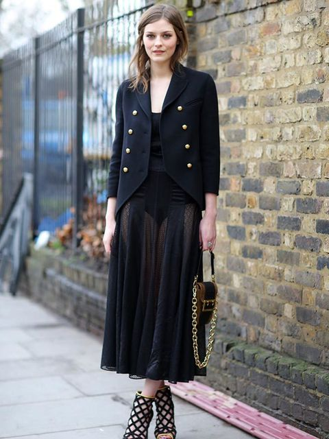 <p>Amber Anderson</p>  <p>Wearing all Burberry</p>