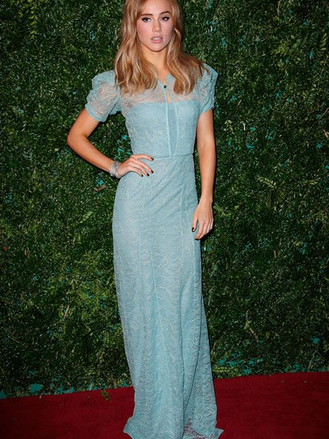 Suki Waterhouse in Burberry for the Evening Standard Theatre Awards London, November 2014.
