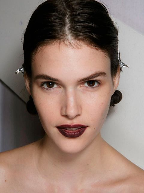 <p>Burberry</p>  <p>The look: Satin skin with natural contouring and a statement lip.</p>  <p>Make-up artist: Wendy Rowe</p>  <p>Key products: BurberryFace Contourpen,Fresh Glow Fluid Foundation,Lip Definer in Oxblood No.14 andLip Velvet in Oxblood N