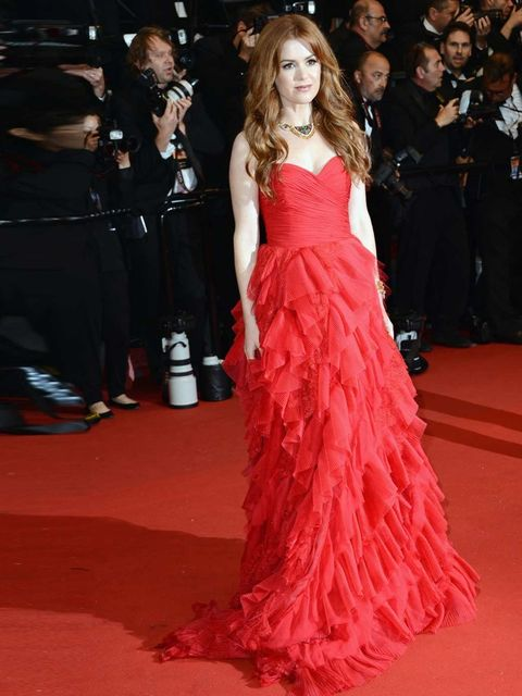 "<p><a href=""http://www.elleuk.com/star-style/red-carpet/great-gatsby-baz-luhrmann-film-premiere-pics-new-york"">Isla Fisher</a> wearing a red lace <a href=""http://www.elleuk.com/catwalk/designer-a-z/oscar-de-la-renta/spring-summer-2013/collection"">Oscar de"