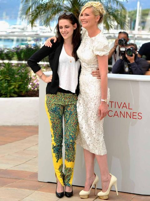 <p>Kristen Stewart and Kirsten Dunst at the On the Road photo call in Cannes</p>