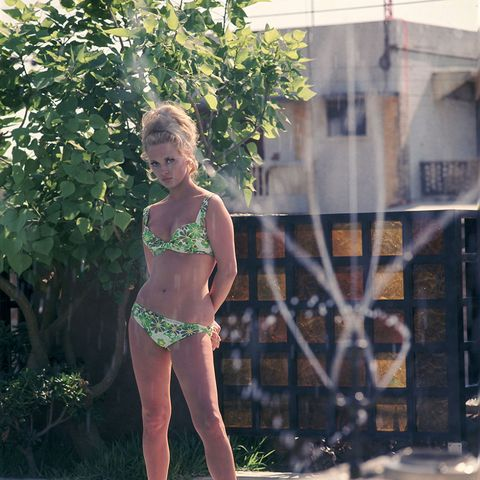 Faye Dunaway bikini 1967 | ELLE UK