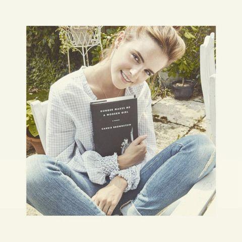 Human, Denim, Sitting, Jeans, Happy, Mammal, Publication, Comfort, Reading, Book,