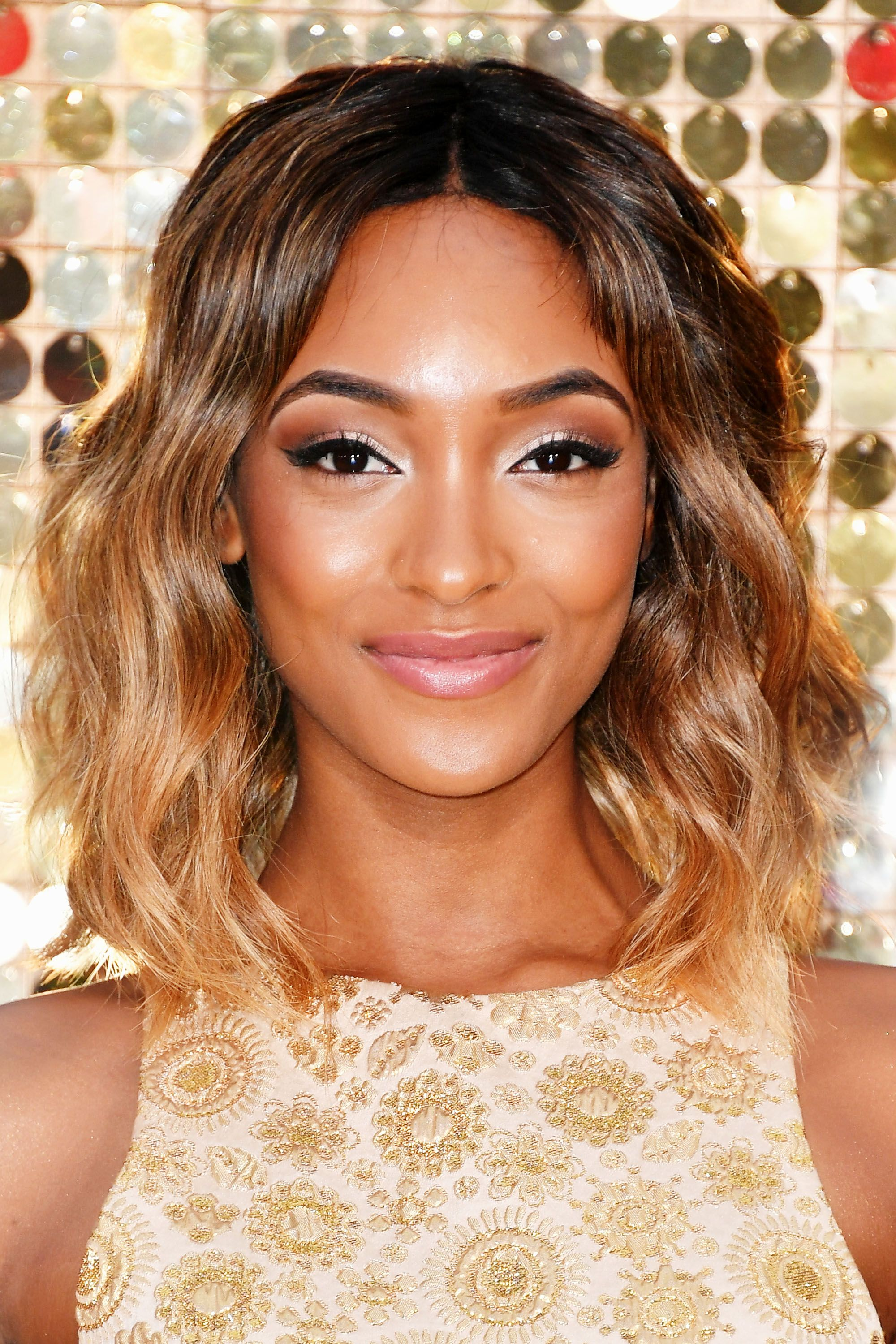 <p>From head to tips Jourdan Dunn faded her hair from brown to blonde. </p>