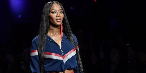 Naomi Campbell Versace SS17